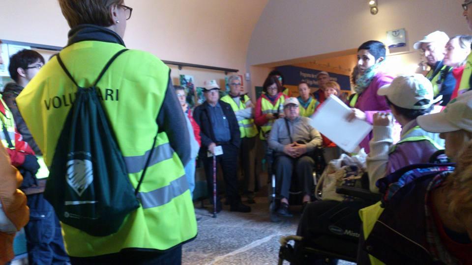 En La Pleta se distribuyeron los compañeros de AMICU y del Cercle de Voluntaris dels Parcs Naturals