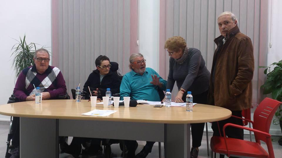 Explicando al Presidente los graves problemas que sufren las personas en silla de ruedas